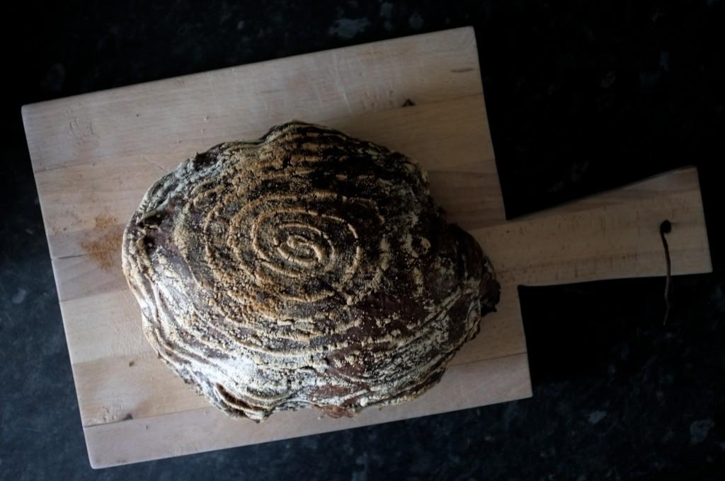 Brød fra hævekurv