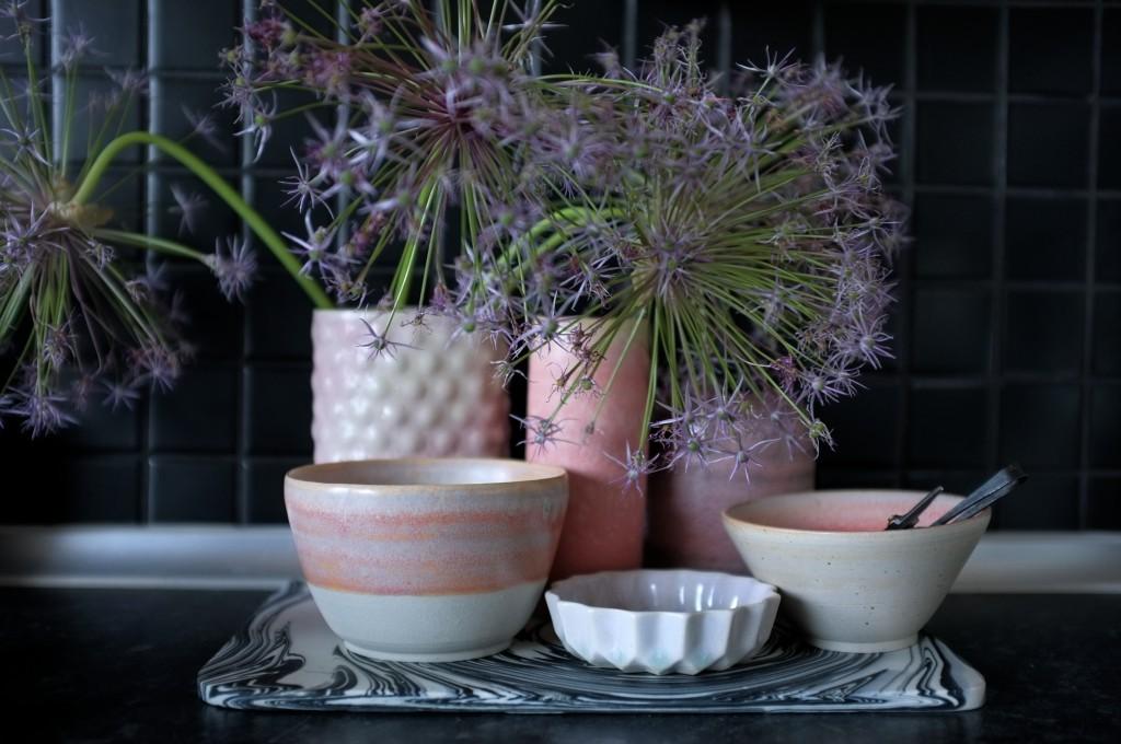 Lyserød keramik
