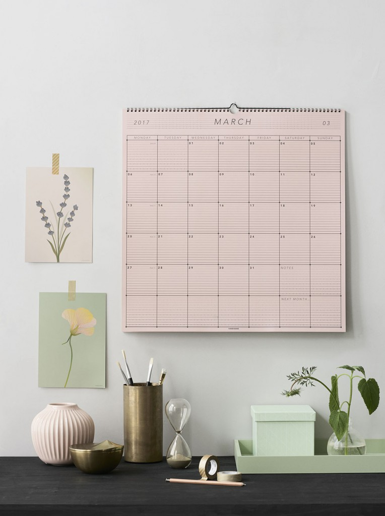 2017-wall-calender-dusty-rose-back-lowres